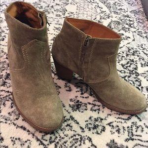 1937 Footwear suede tan ankle booties